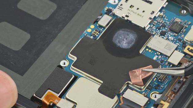 Google Pixel 2 XL: Trotz verklebtem Akku relativ gut reparierbar
