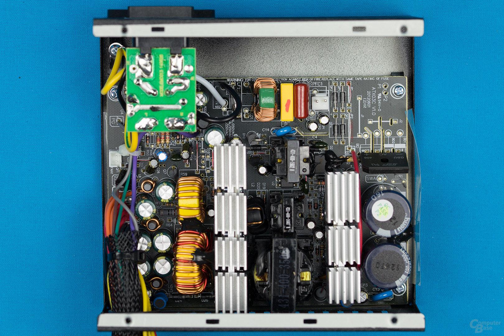 HKC V-Power 550W – Überblick Elektronik