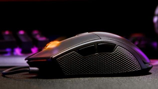 Cougar Minos X5 & Revenger S: Zwei Formen für PMW 3360 und 2.000 Hz