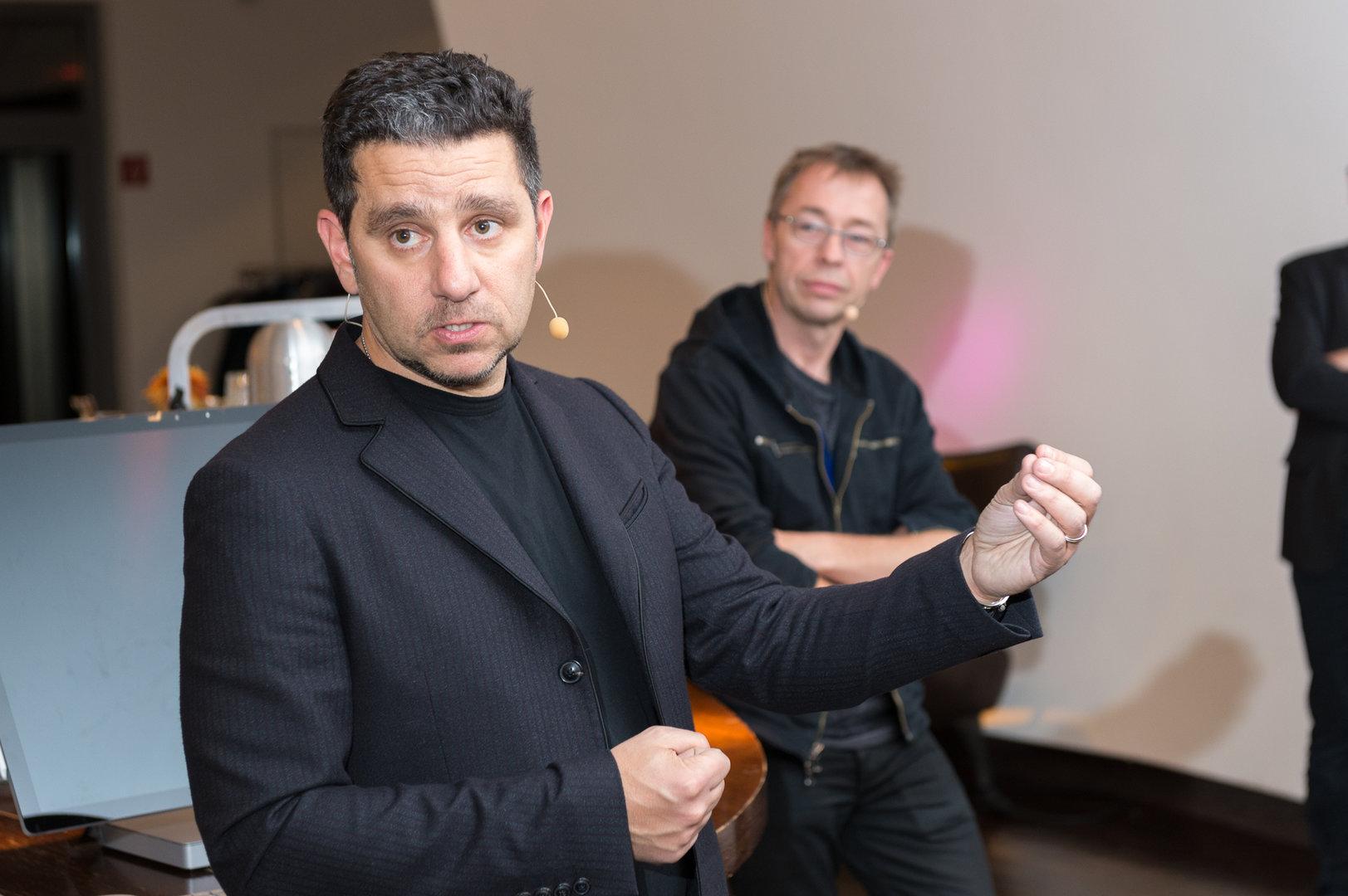Panos Panay auf einer Veranstaltung in Hamburg