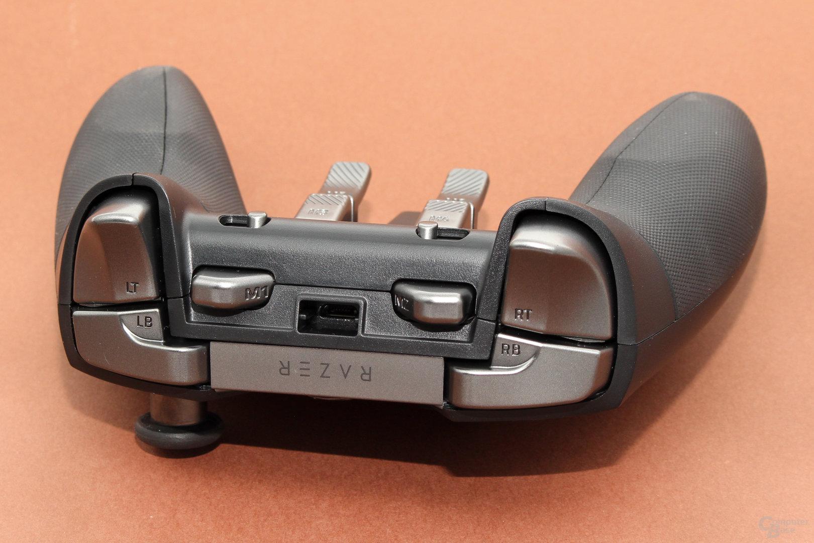 Zwei Zusatztasten platziert Razer an der Vorderseite