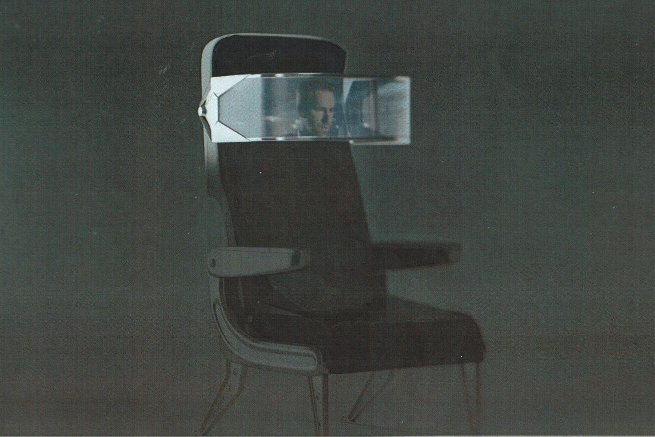 Neuer Stuhl mit gebogenem OLED-Display