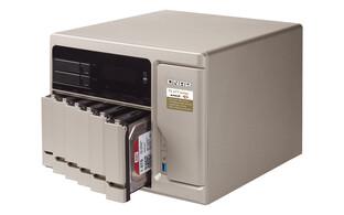 QNAP TS-877 mit Ryzen 5 1600 oder Ryzen 7 1700