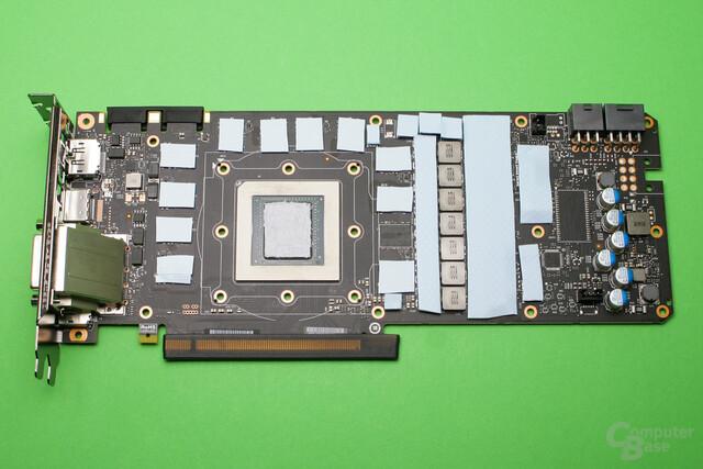 Die GTX 1080Ti ist mit Wärmeleitpads und -Paste für die Kühlermontage vorbereitet