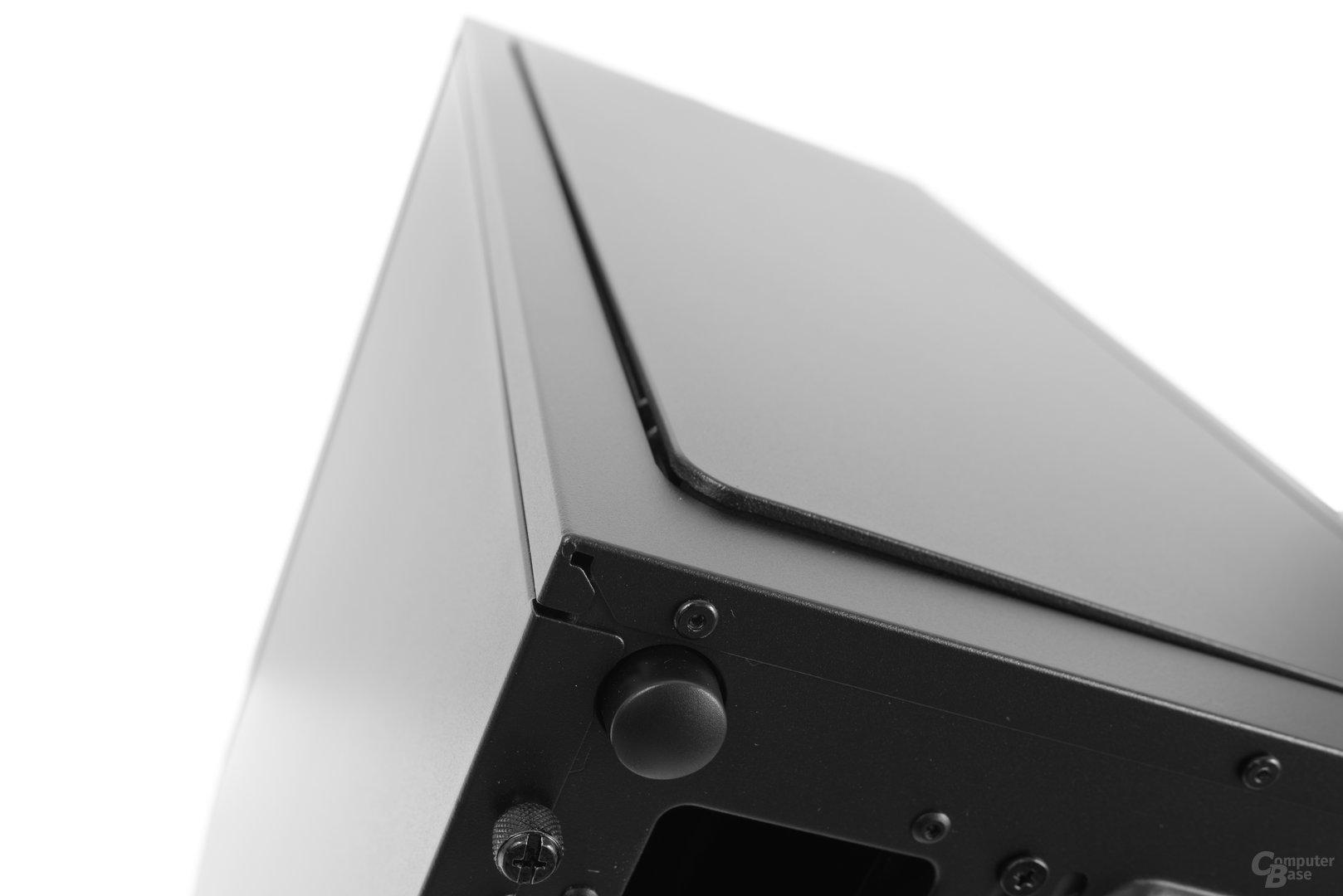 Fractal Design Define R6 – Über ihn lässt sich die Topabdeckung entriegeln
