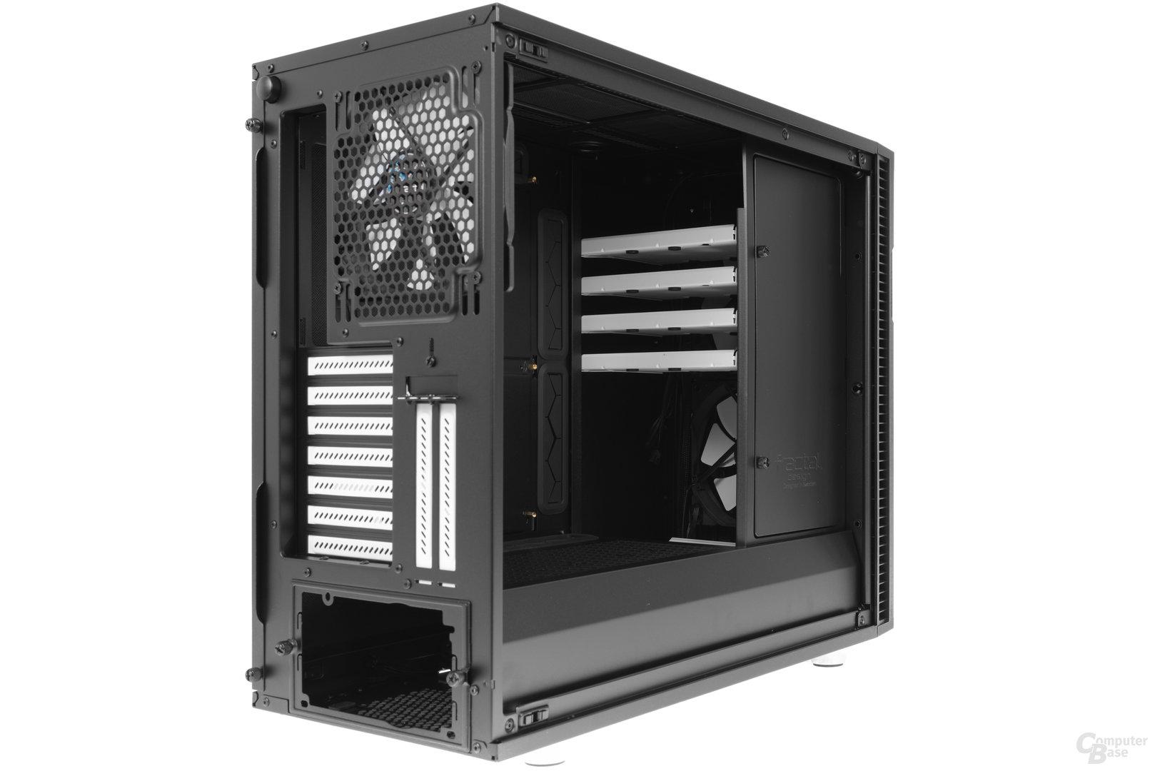 Fractal Design Define R6 – Seitliche Innenraumansicht