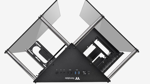 Thermaltake Core P90: Halboffenes Glasgehäuse in Dreiecksform