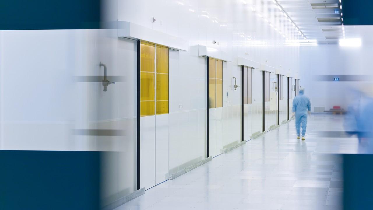 EUV-Lithografie: Intel verkauft weitere Anteile vom Fabrikausrüster ASML