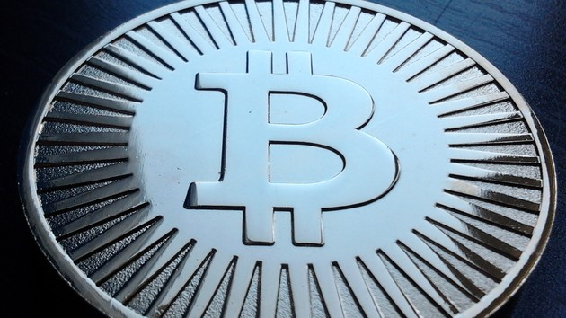 Kryptowährung: Bitcoin erreicht erstmals die 13.000 US-Dollar