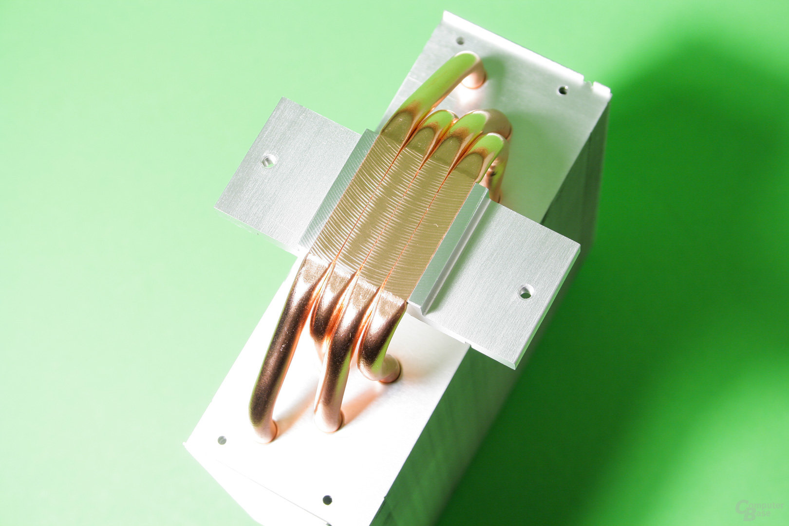 Der Freezer 33 setzt auf vier Heatpipes und Direct Touch