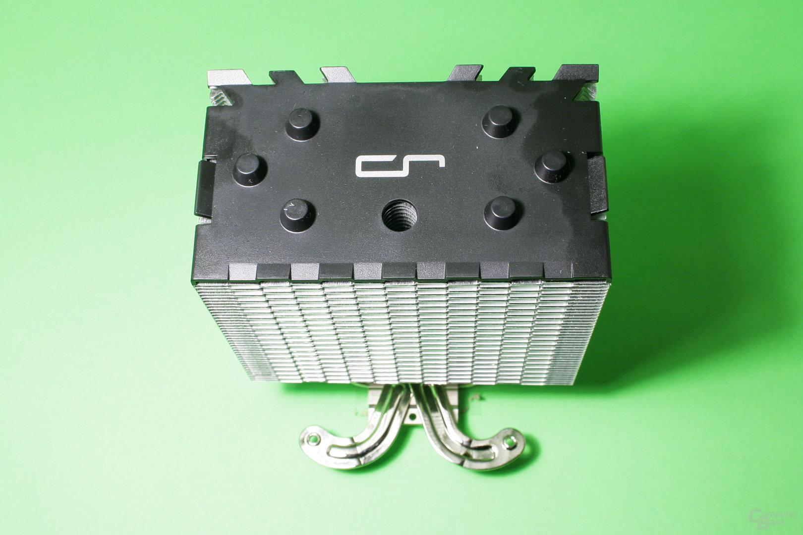 Die Zierkappe des H7 besteht aus schwarzem Kunststoff