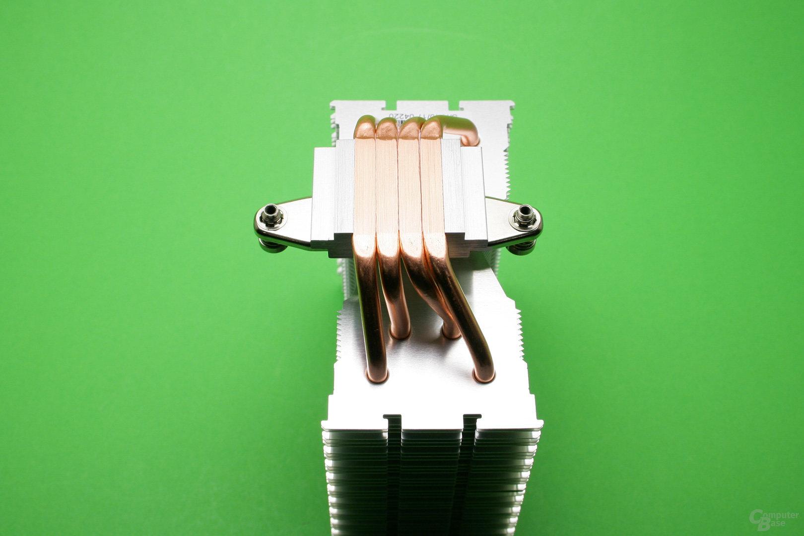 Der Kühlturm des Brocken Eco ist versetzt, um keine RAM-Module zu überdecken