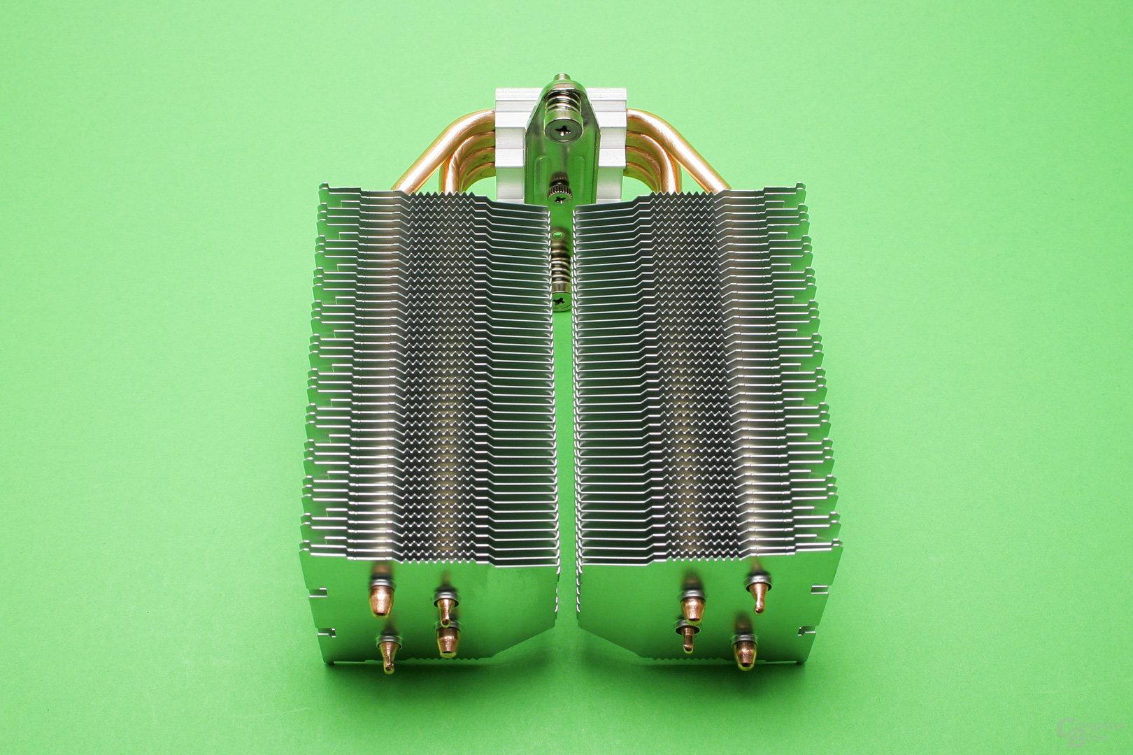 Der zweigeteilte Kühlturm orientiert sich am Design des Brocken 2