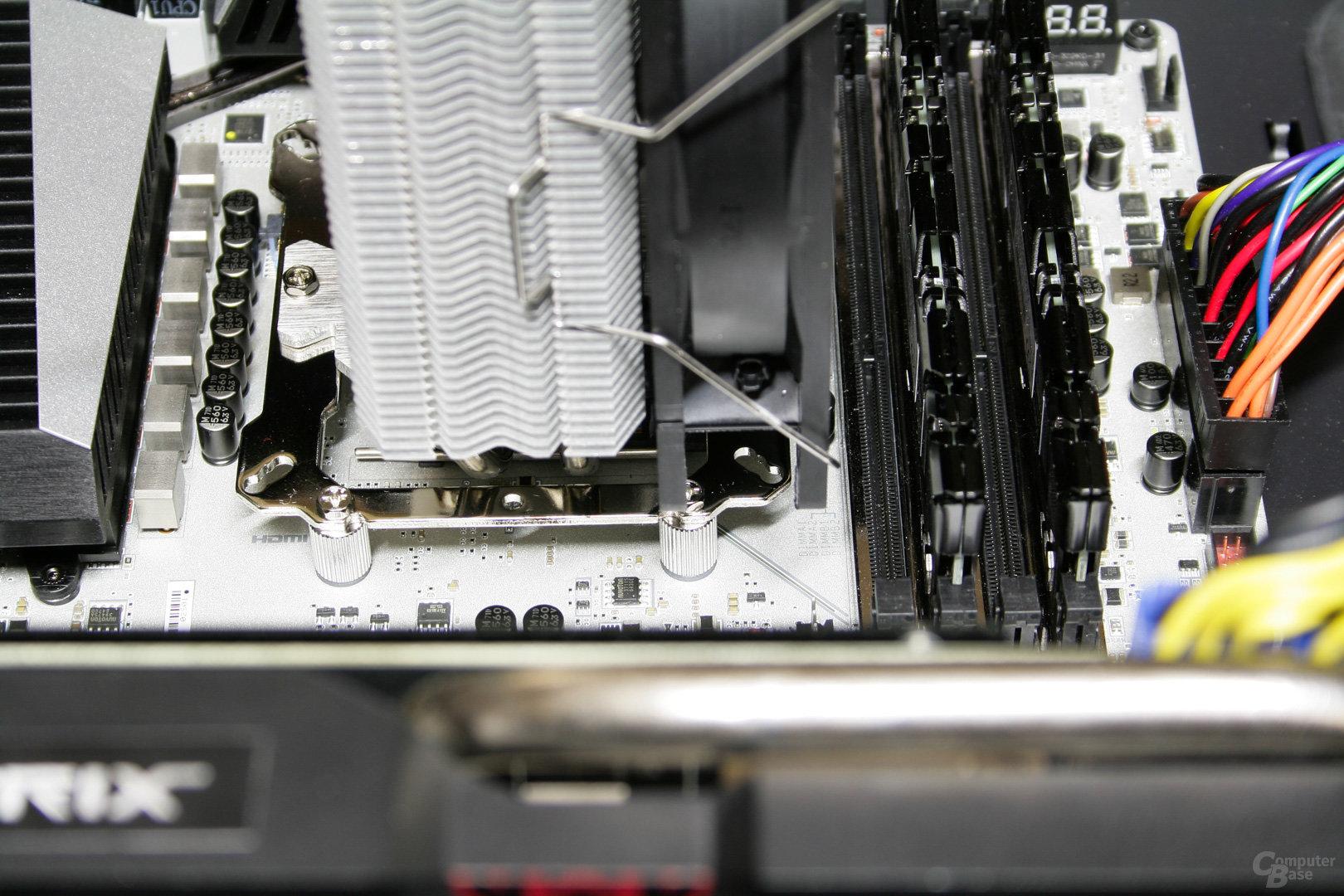 Der Kühler von Thermalright überragt keine Speichermodule