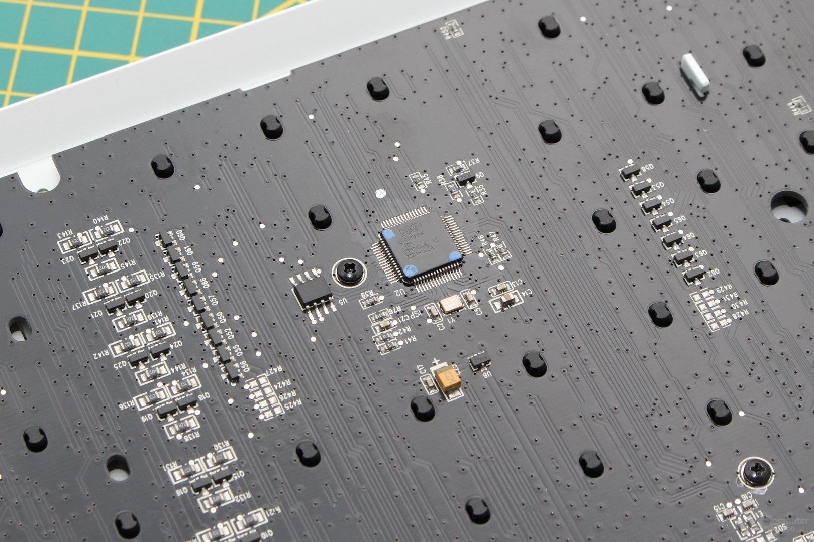 Der Mikrocontroller stammt von NXP (LPC11U35F)