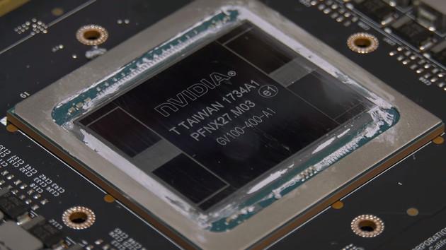 Nvidia: Titan V im Detail auseinander gebaut und erste Benchmarks