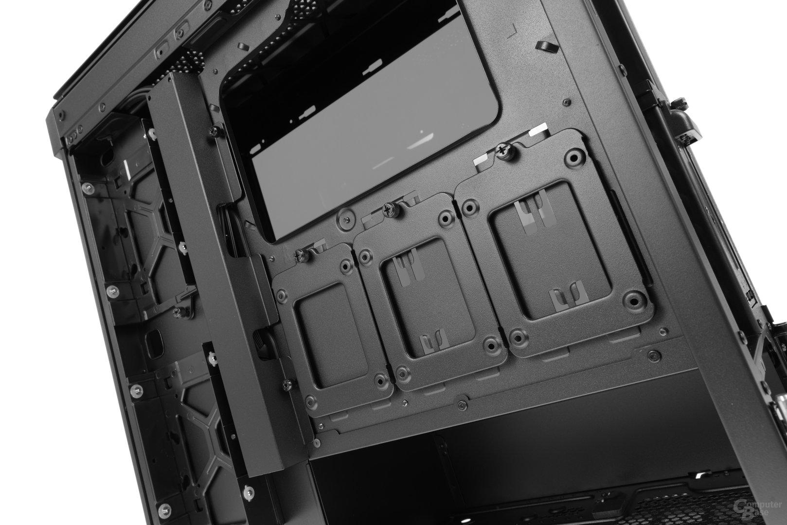 Corsair Obsidian 500D – An der Rückseite des Mainboardtrays befindet sich der Festplattenstaurraum