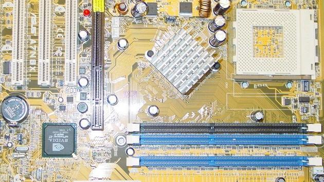 Im Test vor 15 Jahren: Asus A7N8X bot alles, was ein Athlon sich wünschte