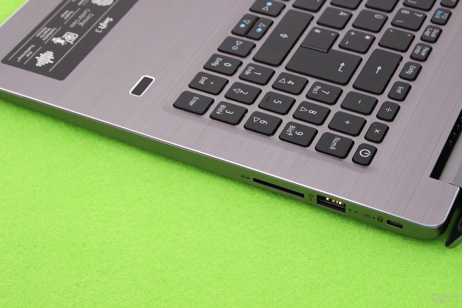 Nochmal USB Typ A und SD-Kartenleser rechts