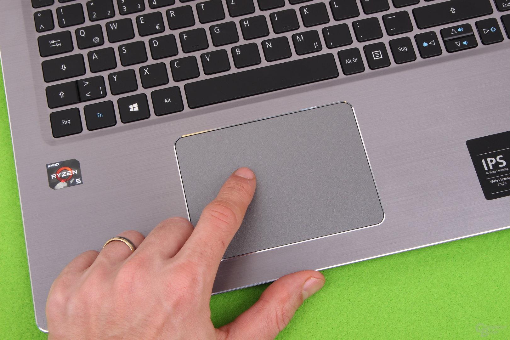 Großes Trackpad mit wenig Widerstand