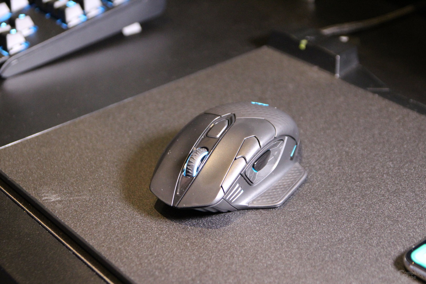 Corsair Dark Core SE Wireless Maus