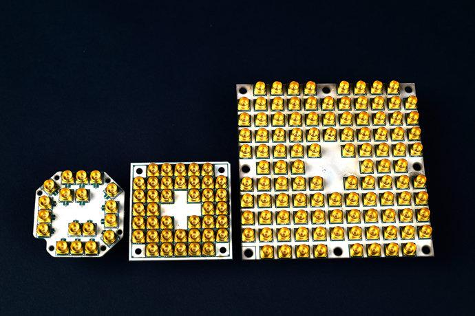 Testchips mit 7, 17 und 49 Qubits