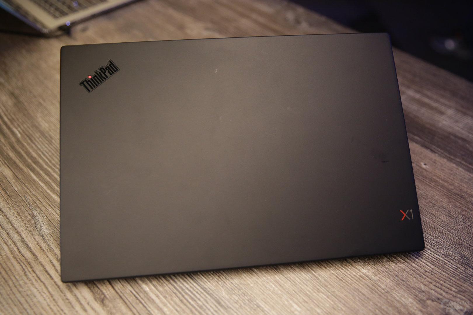 Neues Außendesign mit schwarzem ThinkPad-Logo