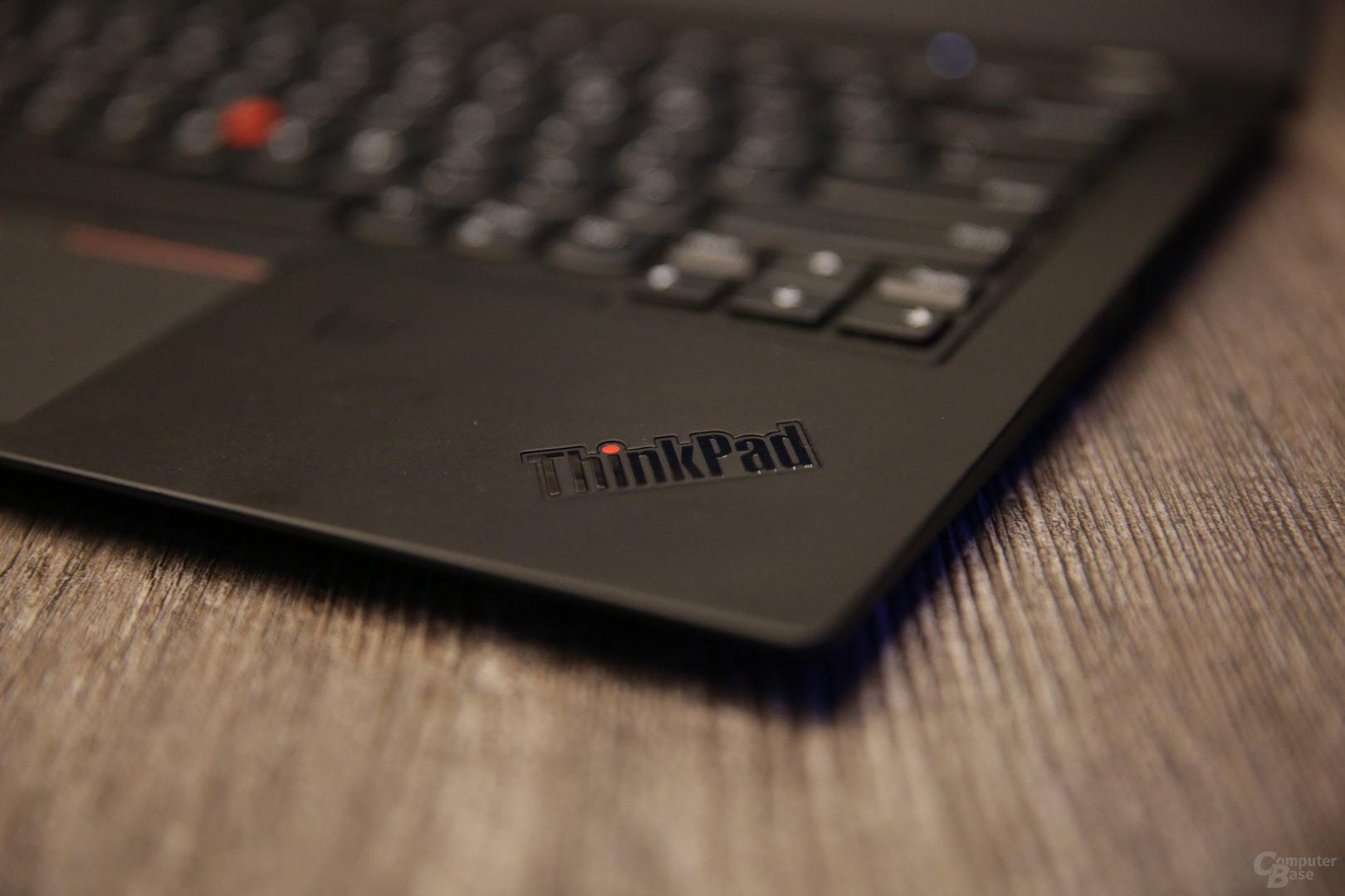 Geschwärztes ThinkPad-Logo auf der Innenseite