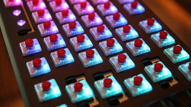 Mechanische Switches: Cherry macht die MX-Red-Taster 7mm flacher