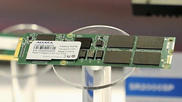 CES: Adata zeigt erstmals M.3-SSD und SX8200 mit SM2262