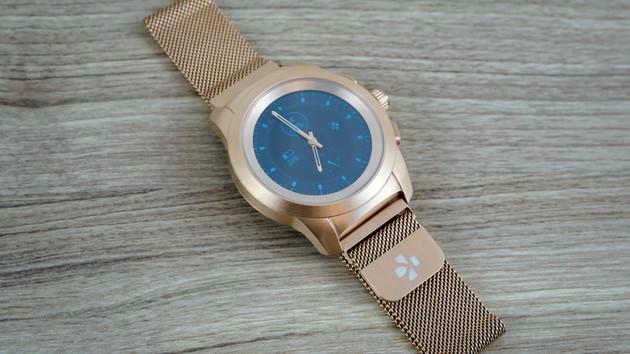 ZeTime im Test: Vollhybride Smartwatch mit Display und echten Zeigern