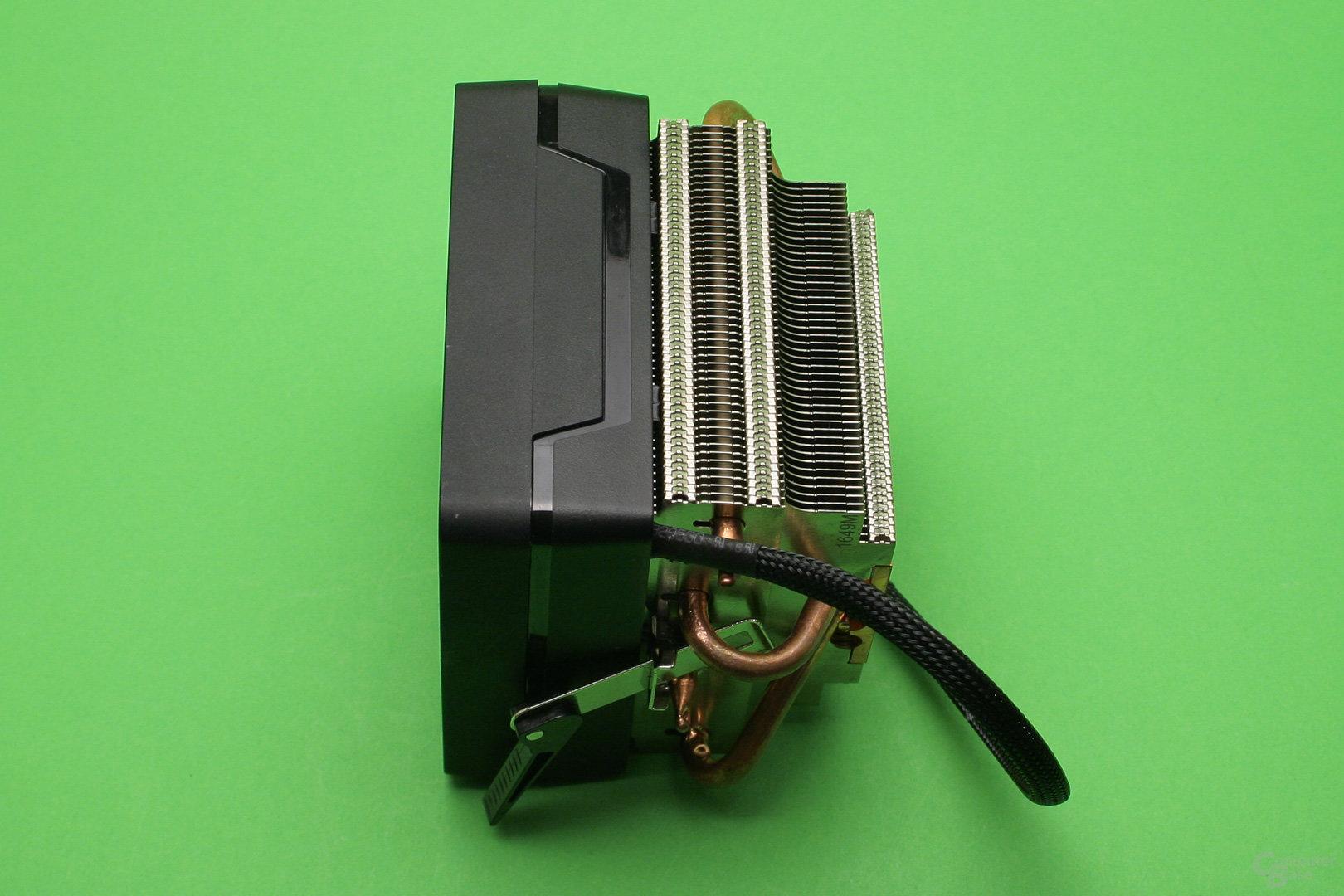 AMD Wraith Max: Der Topblow-Kühler hat ein klassisches Lamellendesign