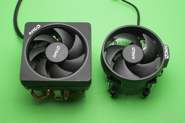 AMD Wraith Max (links) und Wraith Spire (rechts)