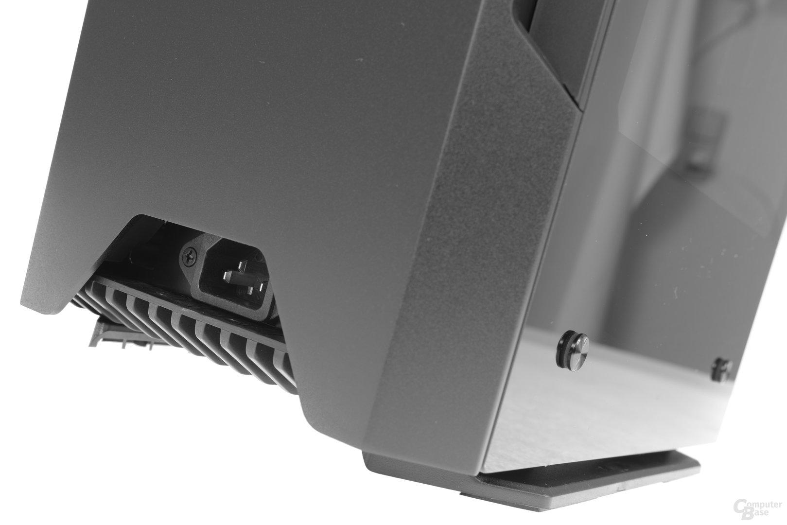 Phanteks Enthoo Evolv Shift – An der Rückseite befindet sich der Stromanschluss