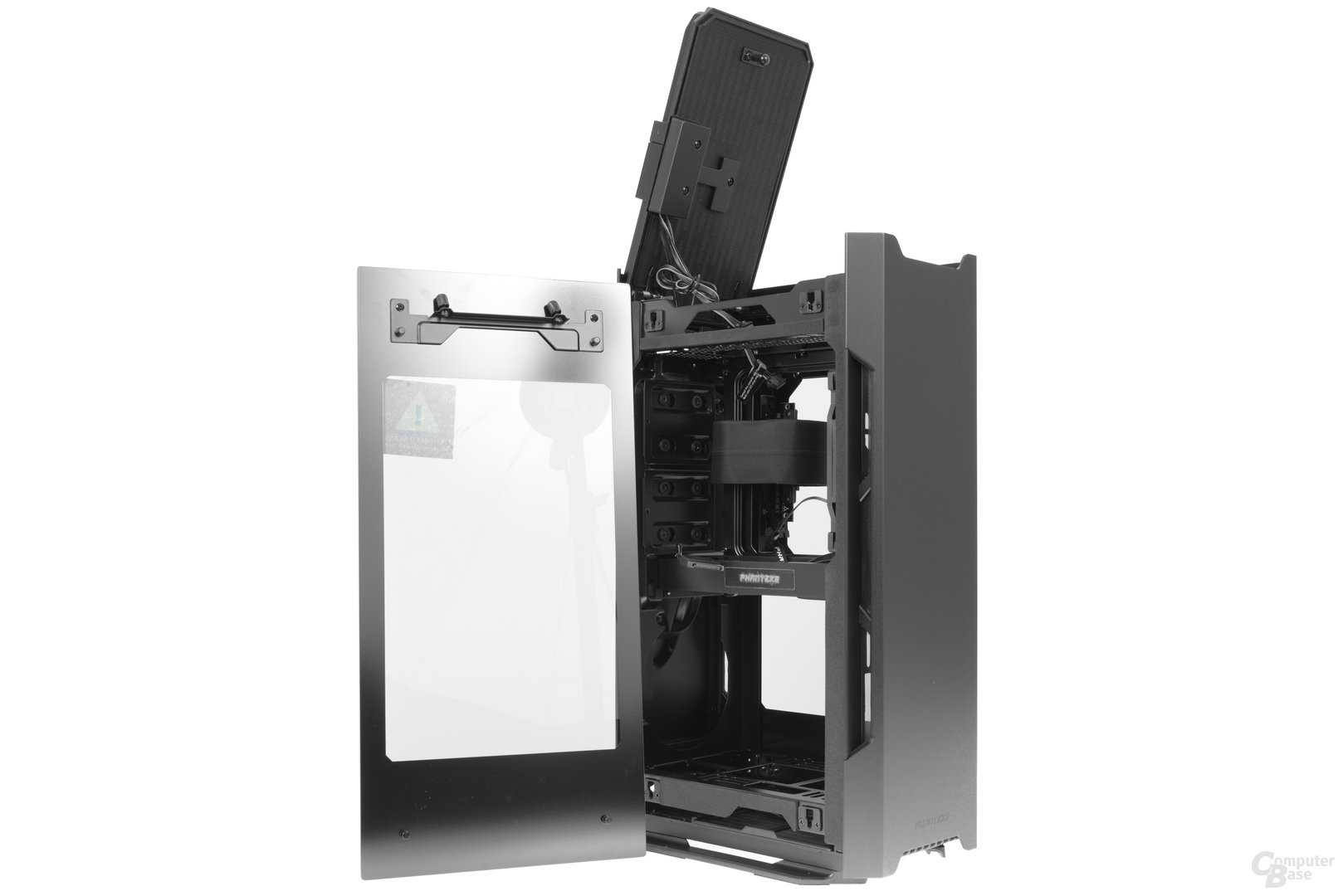 Phanteks Enthoo Evolv Shift – Glasseitenteil ausgehangen