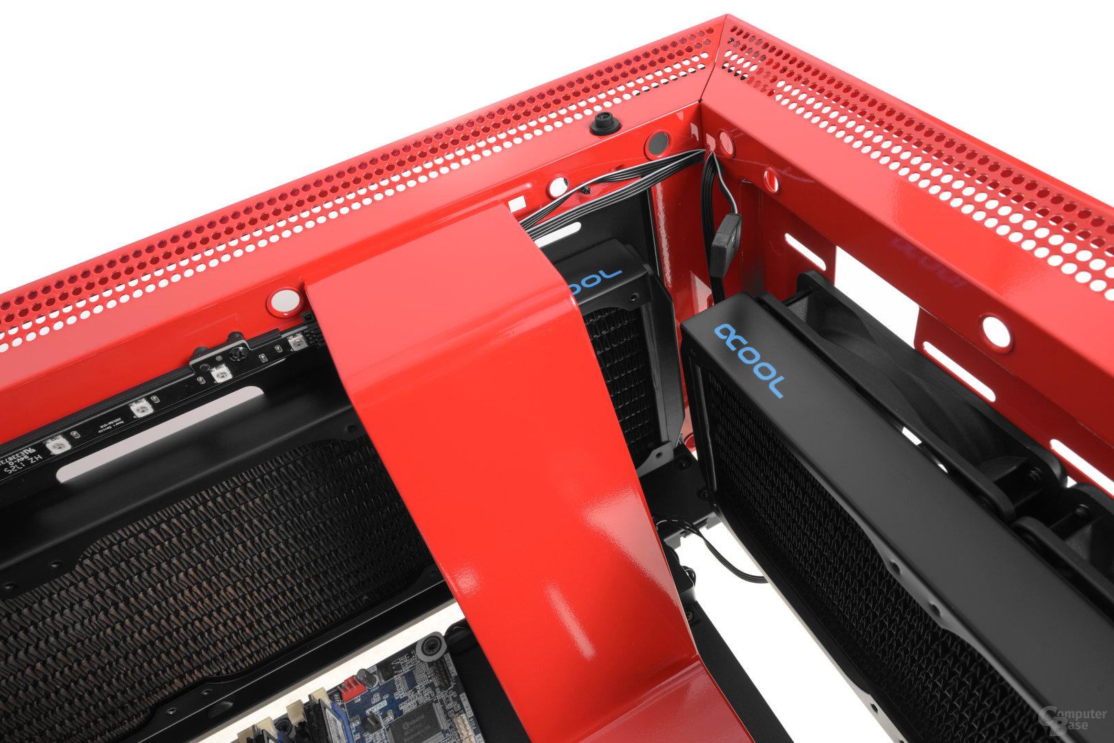 NZXT H700i – Auch der Radiator im Deckel darf tiefer ausfallen