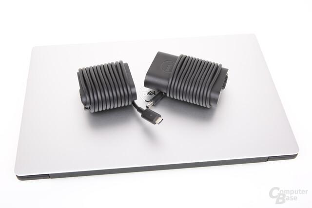 Kleineres neues 45-W-Netzteil mit USB Typ C (l.)