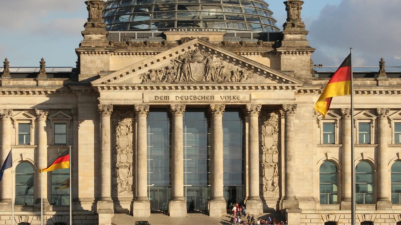 Neue Regierung: Koalitionsvertrag sorgt für gemischte Reaktionen