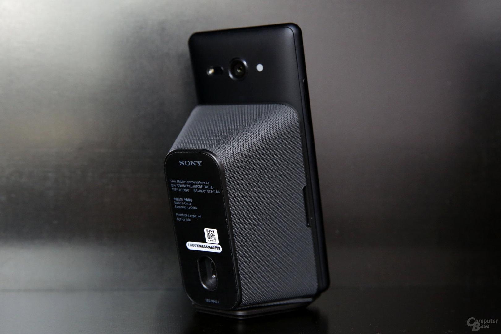 Neues Wireless-Ladegerät mit integriertem Lüfter