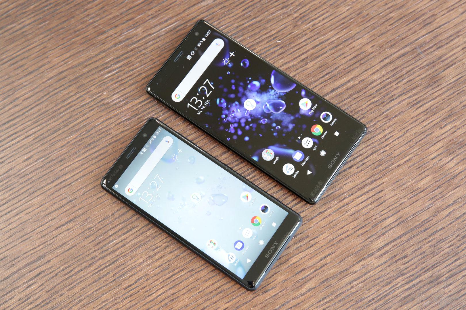 Xperia XZ2 Compact neben Xperia XZ2