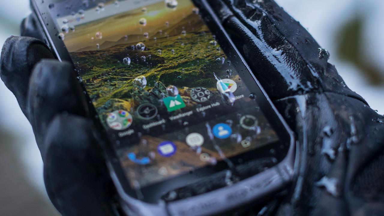 Land Rover Explore: Smartphone mit Modulen für Outdoor-Enthusiasten