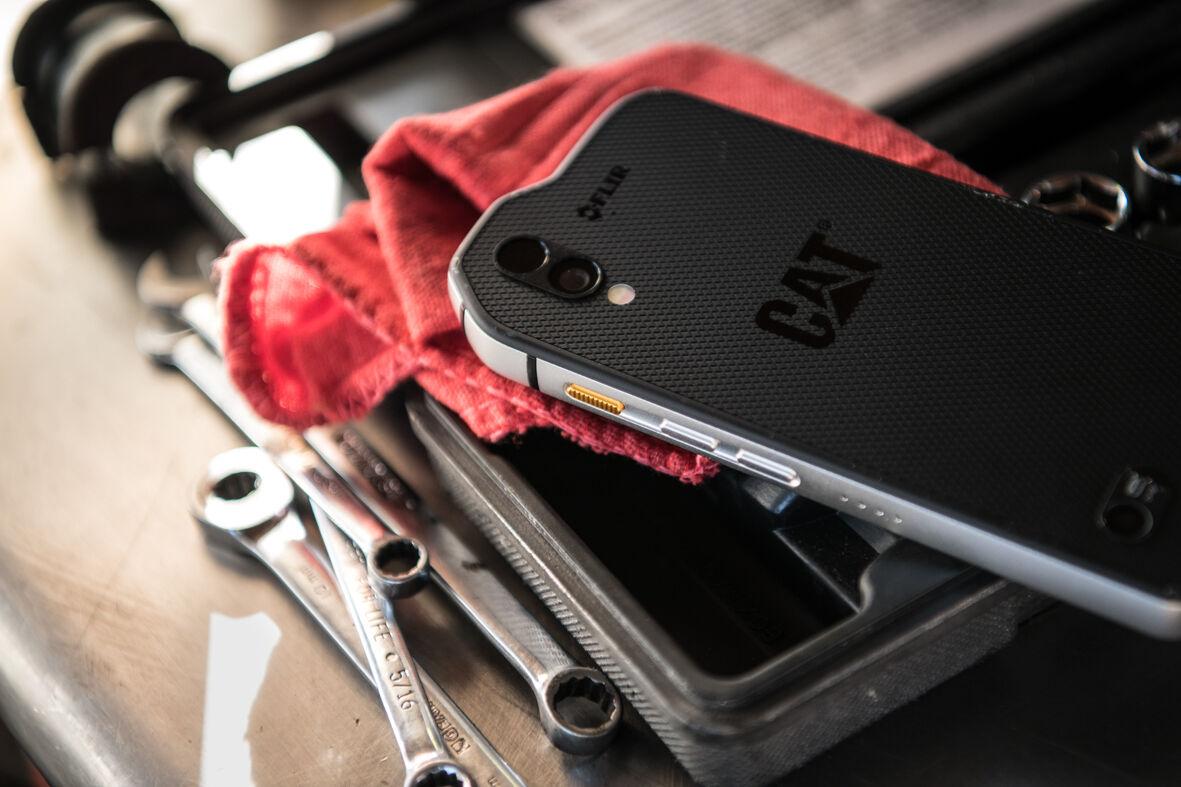 Entfernungsmesser Für Handy : Outdoor smartphone: cat s61 misst die entfernung luftgüte und bis