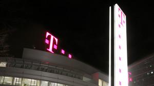 Deutsche Telekom: Rekordinvestitionen führen zu Plus bei Umsatz und Gewinn