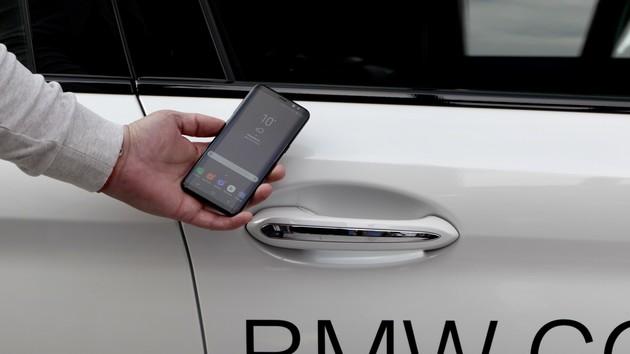 bmw digital key das smartphone wird zum autoschl ssel f r. Black Bedroom Furniture Sets. Home Design Ideas