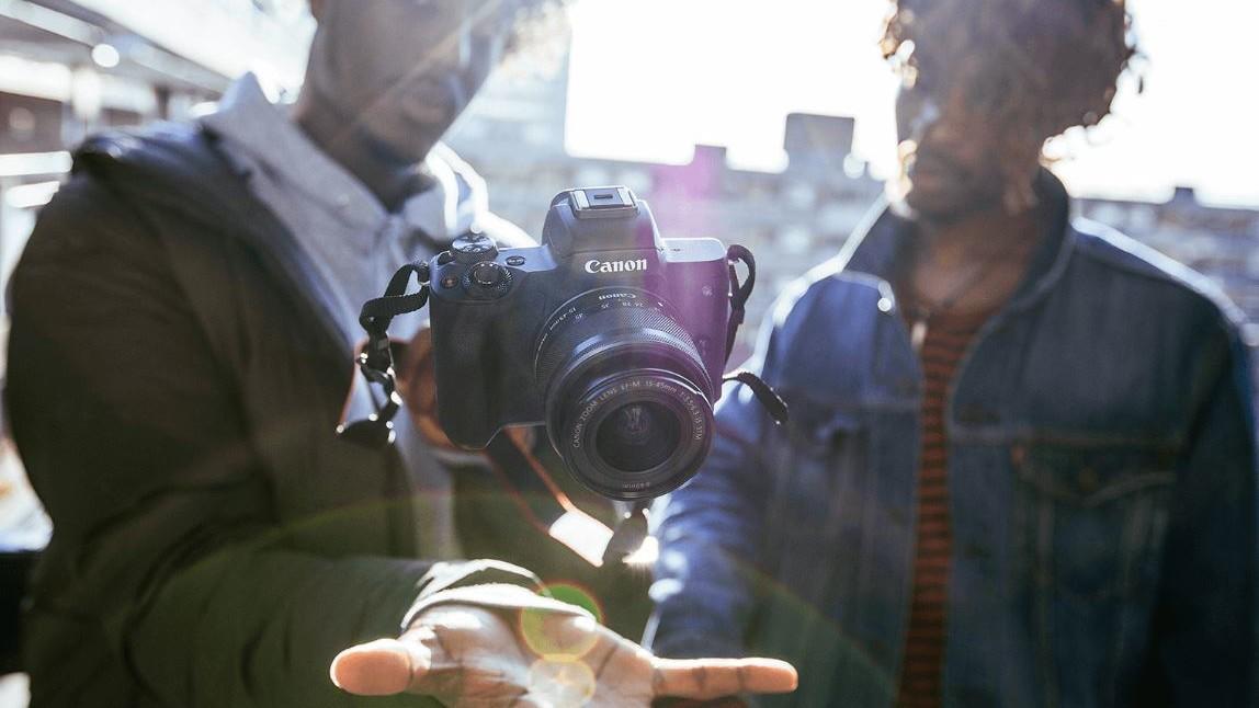 Canon EOS 2000D & 4000D: Neuer DSLR-Einstieg, EOS M50 und AI-Systemblitz