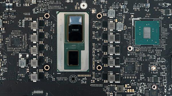 Kaby Lake-G im NUC: Erster Test mit Vega-GPU zeigt hohe Leistung am Limit