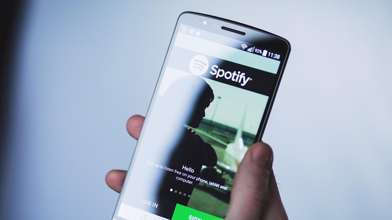 iOS-App: Spotify testet eigene Sprachsteuerung
