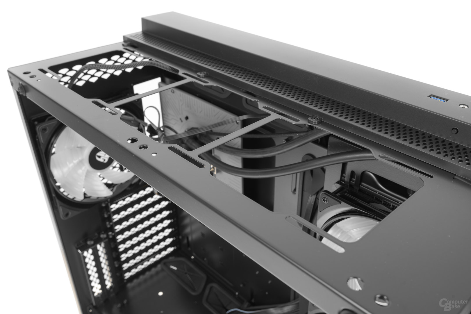 Deepcool New Ark 90 – Topcover entfernt