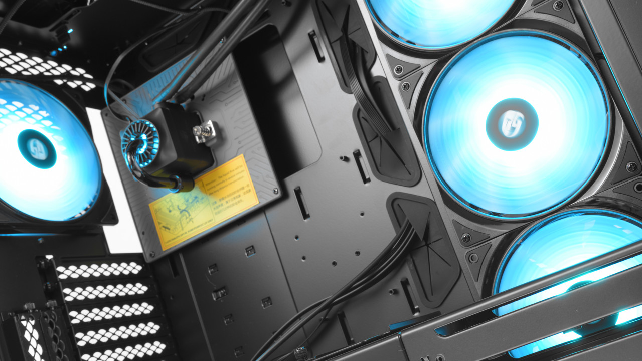 Deepcool New Ark 90 im Test: Das PC-Gehäuse mit Wasserkühlung ab Werk