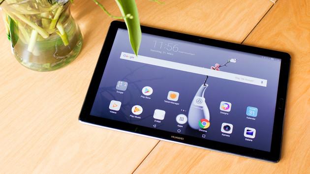 Huawei MediaPad M5 im Test: Starkes Tablet mit schwacher Haltung